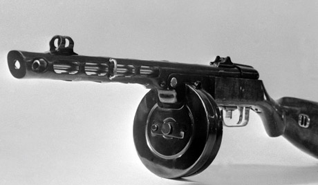 """Пистолетът-картечница """"Шпагин"""""""