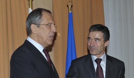 Лавров и Расмунсен обсъдиха съдействието на Русия и НАТО за ОЗХО