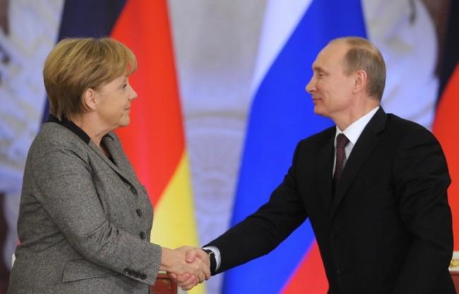 Песков: Диалогът между президента на Русия и канцлера на ФРГ по Украйна е безценен