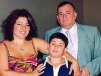 Шаварш Карапетян със семейството си
