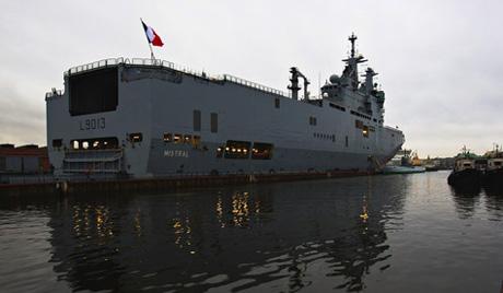 """Оланд: контрактът за доставка на Русия на """"Мистрал"""" остава в сила"""