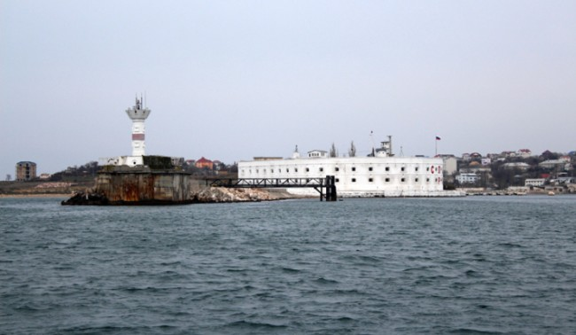 В Севастопол щурмуват щаба на ВМС на Украйна