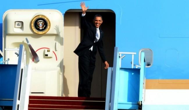"""Обама пристигна в Европа, за да спаси """"Проекта Украйна"""""""