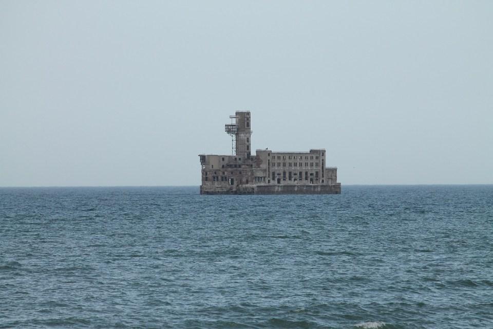 Завод за производство на Торпеда в Каспийско море