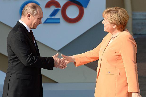 Бизнесът призовава Меркел да не подкрепя санкциите срещу Русия