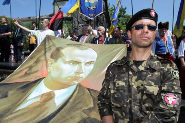 Киев отменя парада на Победата - в Лвов се проведе нацистко шествие