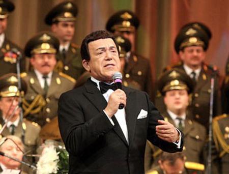 Йосиф Кобзон идва с Ансамбъла на руските вътрешни войски в София