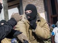 """Протестите в Славянск  потушава """"Десен сектор"""""""