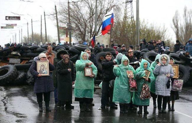 МЧС на Русия е доставило над 1700 тона хуманитарни помощи в Крим