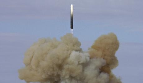 """Русия се въоръжила с балистична ракета """"Лайнер"""""""