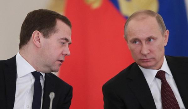 """На 9 май Путин и Медведев ще """"десантират"""" в Крим"""