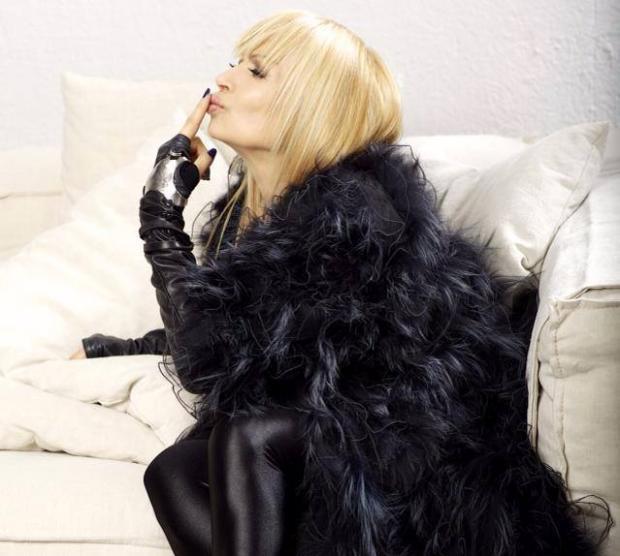 Лили пее за руски милионер