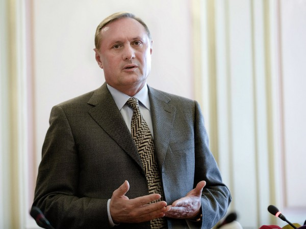 Партията на регионите напусна Върховната рада в знак на протест срещу операциите в Югоизточна Украйна