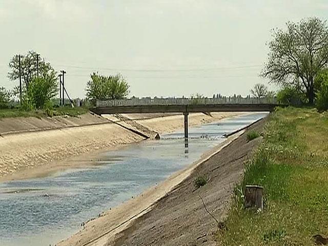 Украйна изгражда язовирна стена, за да остави Крим без вода