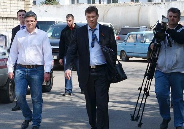 Нацгвардията изпепели дома на депутата Олег Царьов