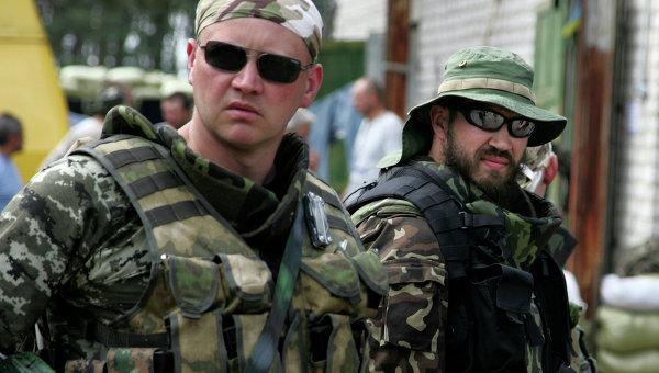 Радикали от Националната гвардия сменят армията в Източна Украйна