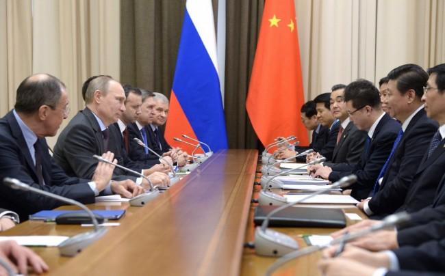 """""""Газпром"""" подписа договор с Китай за доставките на газ"""