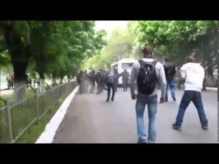 В Мариупол нацисти разстреляха старец: ВИДЕО (+18)