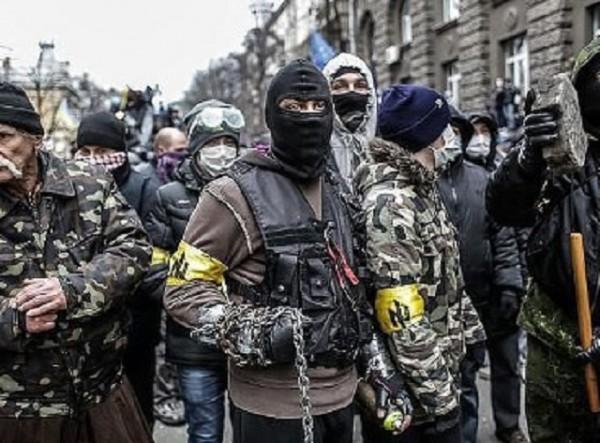 """""""Десен сектор"""" безчинства в цяла Украйна с одобрението на Киев"""