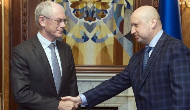Турчинов и Ван Ромпой обсъдиха ситуацията в Украйна