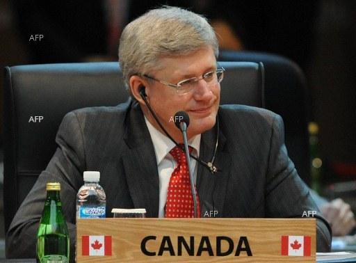 Канада въведе санкции срещу дванадесет руски и украински официални лица