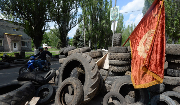 Армията атакува блокпостове в Славянск