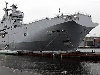 """НАТО може да купи корабите """"Мистрал"""", за да не попаднат в Русия"""