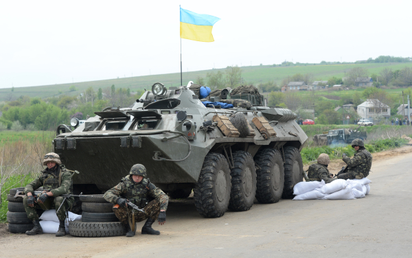 В източната част на Украйна продължават сблъсъците на армията  с протестиращите