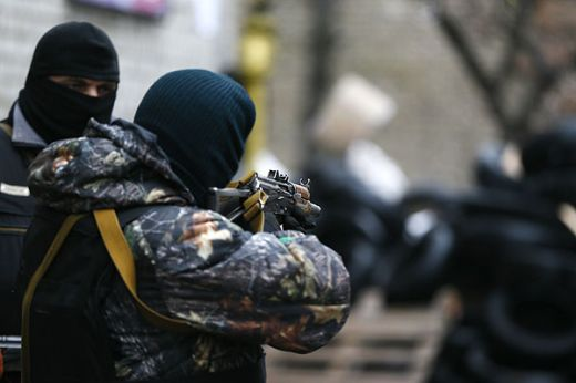 В Славянск започна спецоперация, над града кръжат хеликоптери