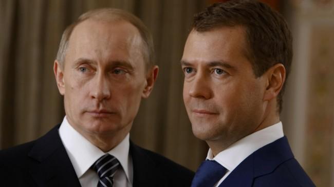 Руската преса коментира, че празнуването на 9 май в Крим от страна на Путин и Медведев ще е прецедент