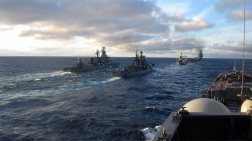Руски военни кораби през Дарданелите