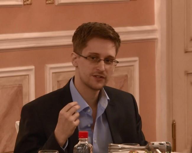 Eдуард Сноудън поиска Русия да удължи срока на предоставеното му убежище