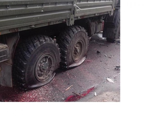 Докараха телата на убитите при обстрела на камиона в Донецк