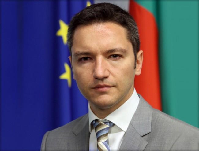 Вигенин: България настоява Киев да разоръжи екстремистите и да обуздае ултранационалистите