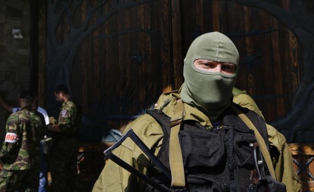 В Донецк опълченци превзеха военно поделение