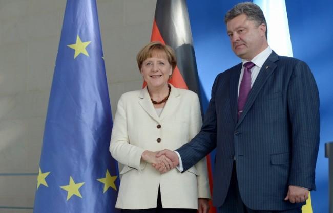 Порошенко информира Меркел за нарушаване на примирието