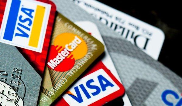 Visa и MasterCard ще сменят руските си карти