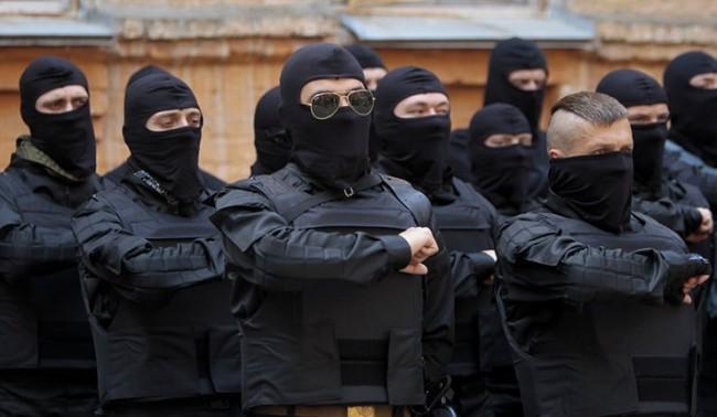 """Опълчението: Киев иска да се отърве от """"Десния сектор"""""""