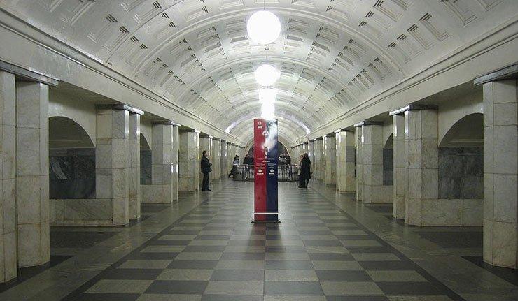 800px-Okhotny-mm