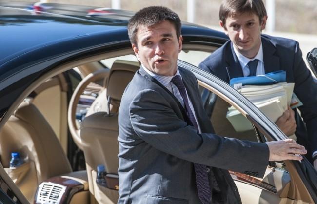 Киев е готов за преговори само при условие на двустранно прекратяване на огъня