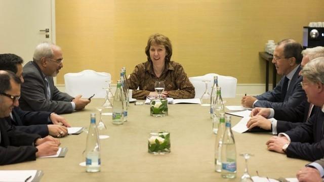 """Лавров няма да участва в преговорите на """"шестицата"""" с Иран"""
