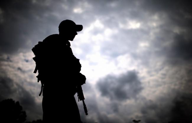 Опълченците превзеха летището в Луганск