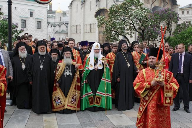Патриарх Кирил оглави юбилейно литийно шествие