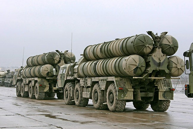 Русия ще достави четири С-300 на Беларус