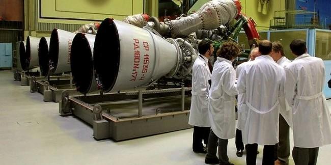 САЩ продължават да купуват ракетни двигатели от Русия