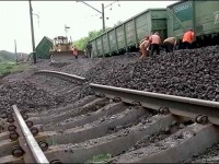Нови взривове на жп линия в Донецка област