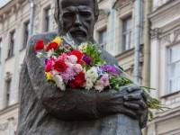 Петербург отбеляза Деня на Достоевски с екскурзии и танци
