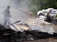 Украинската армия продължава масивния обстрел на Луганск и Славянск