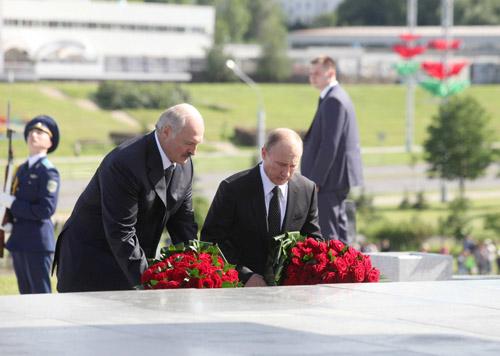 Путин: за единството на Русия и Беларус се сражавали героите на Великата Отечествена война