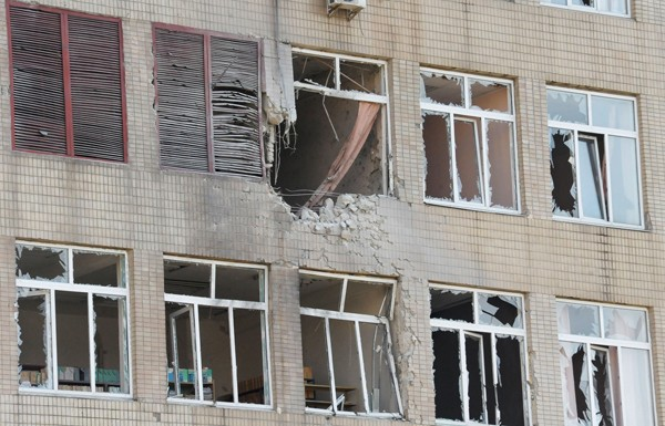 Украинската армия обстреля детска болница в Луганск